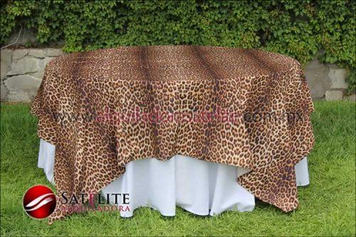 Cubremantel leopardo