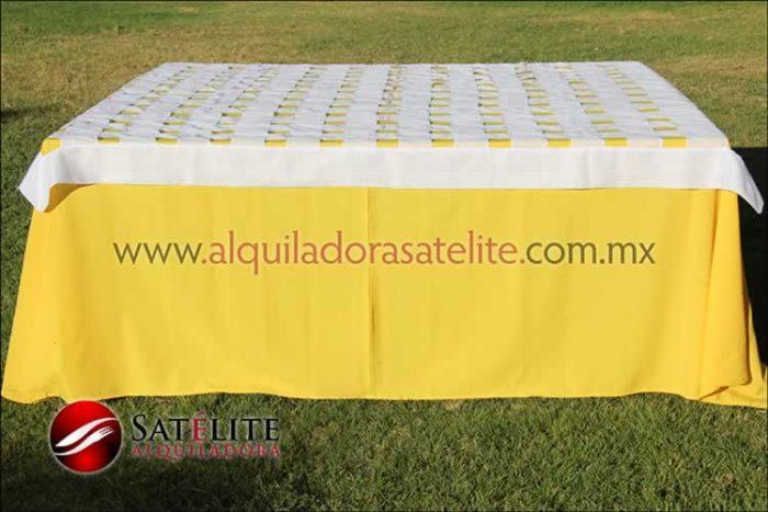 Mantel cuadrado amarillo entrelazado blanco