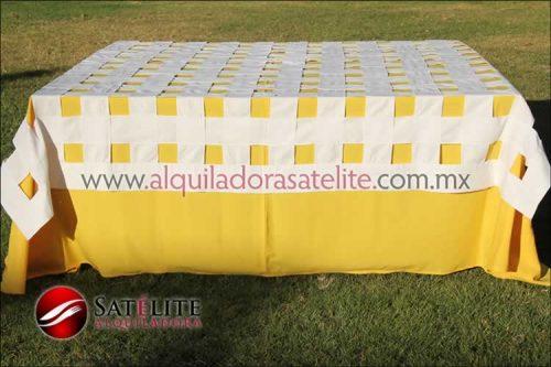 Mantel cuadrado amarillo entrelazado manta