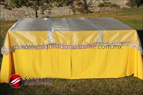 Mantel cuadrado amarillo organza plata