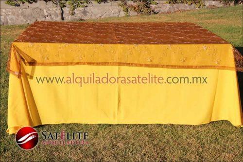 Mantel cuadrado amarillo organza shedrón 1