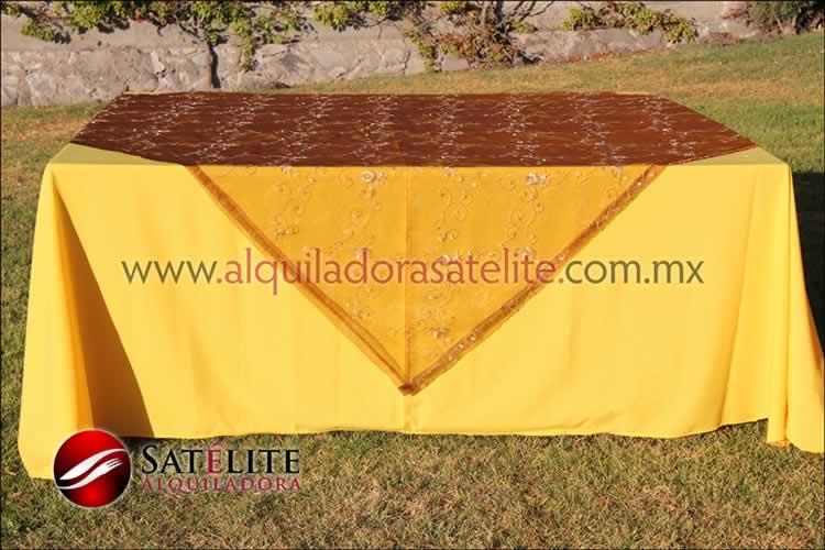 Mantel cuadrado amarillo organza shedrón 2