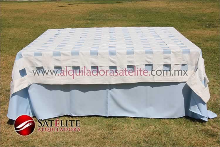 Mantel cuadrado azul cielo entrelazado manta