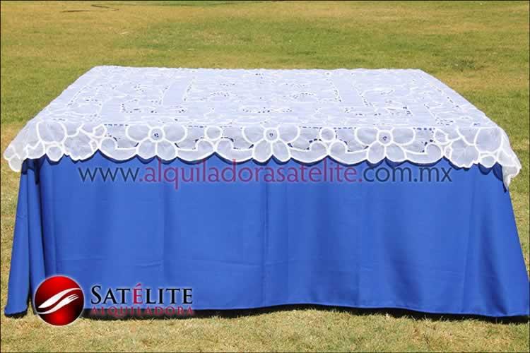 Mantel cuadrado azul rey organza blanco