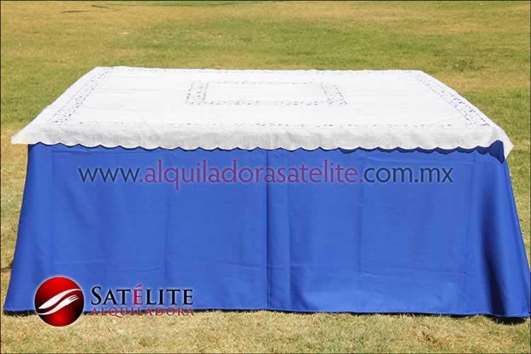 Mantel cuadrado azul rey organza marfil 1