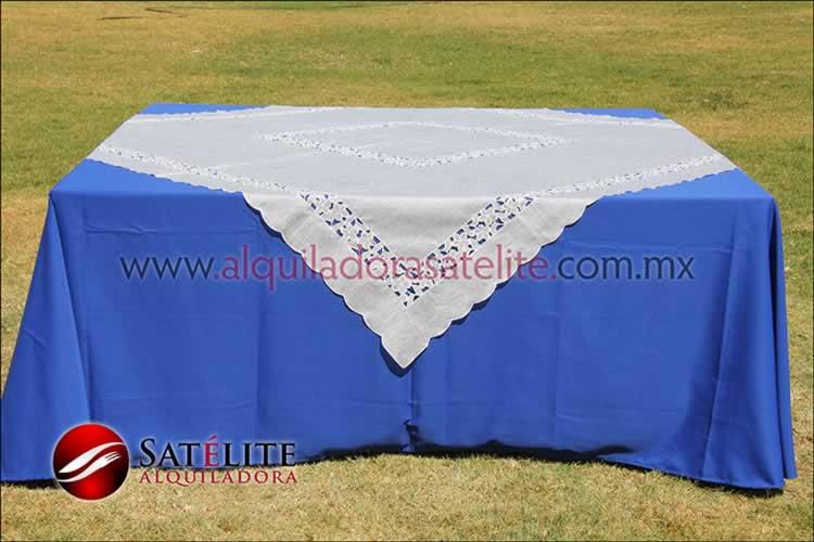 Mantel cuadrado azul rey organza marfil 2