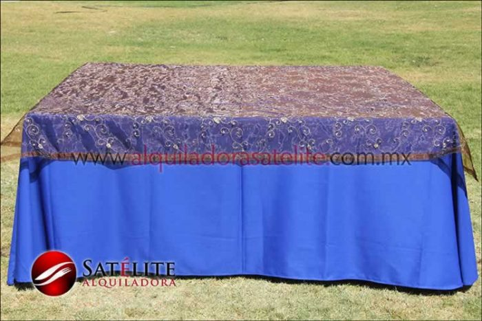 Mantel cuadrado azul rey organza shedrón 1