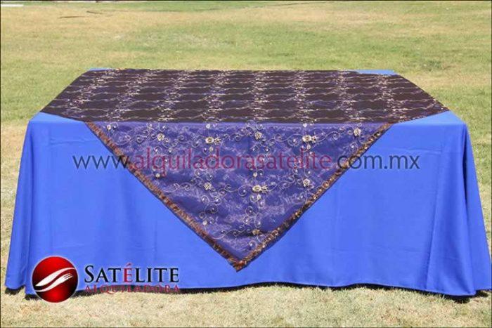 Mantel cuadrado azul rey organza shedrón1