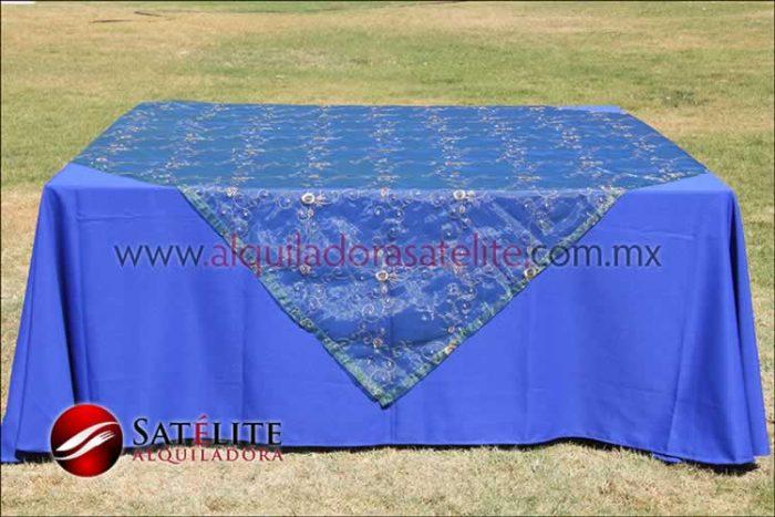 Mantel cuadrado azul rey organza verde 2