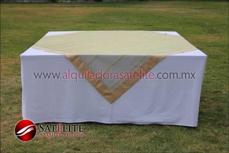 Mantel cuadrado blanco organza verde oro 2
