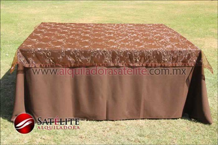 Mantel cuadrado cafe chocolate organza shedrón 1