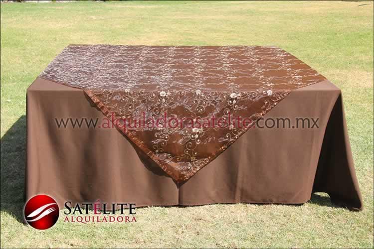 Mantel cuadrado cafe chocolate organza shedrón 2