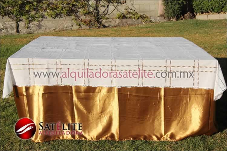 Mantel cuadrado dorado deshilado blanco