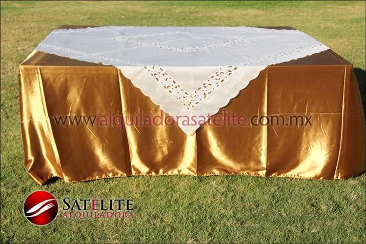 Mantel cuadrado dorado organza marfil 2