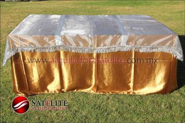 Mantel cuadrado dorado organza plata