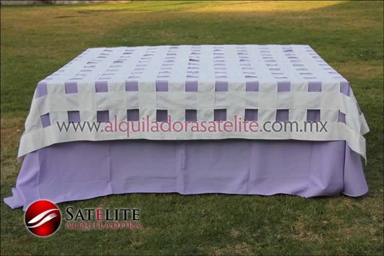 Mantel cuadrado lila entrelazado manta