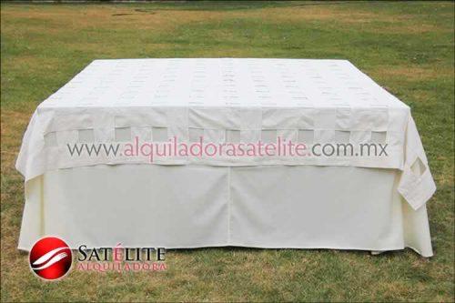 Mantel cuadrado marfil entrelazado manta