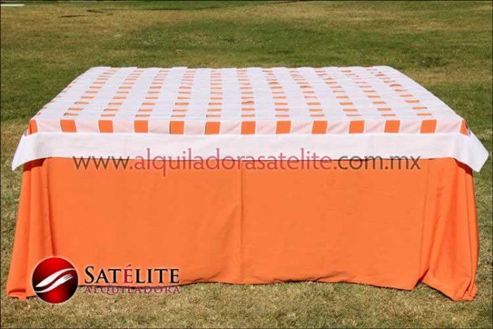 Mantel cuadrado naranja entrelazado blanco