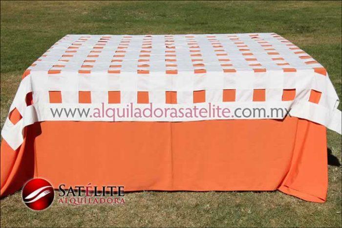 Mantel cuadrado naranja entrelazado manta