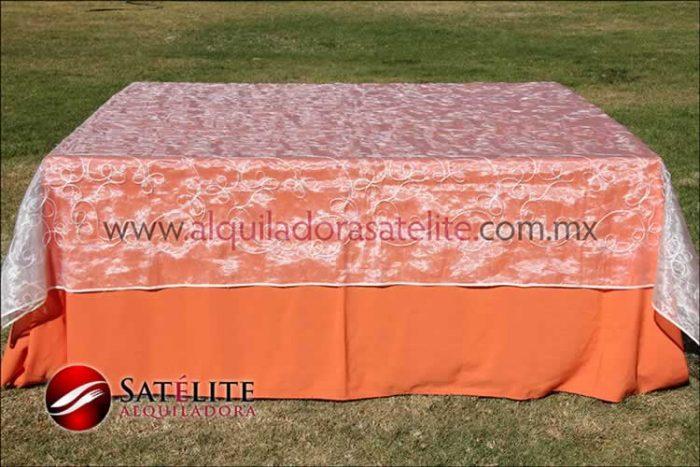 Mantel cuadrado naranja organza alistonado