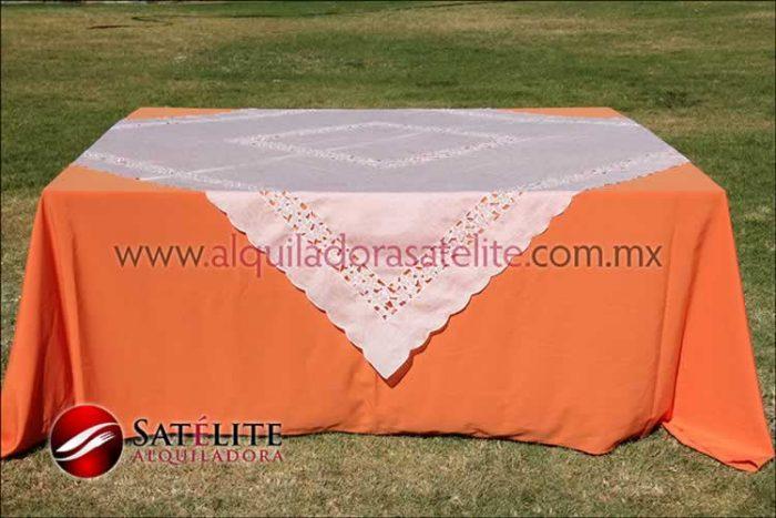 Mantel cuadrado naranja organza marfil 2