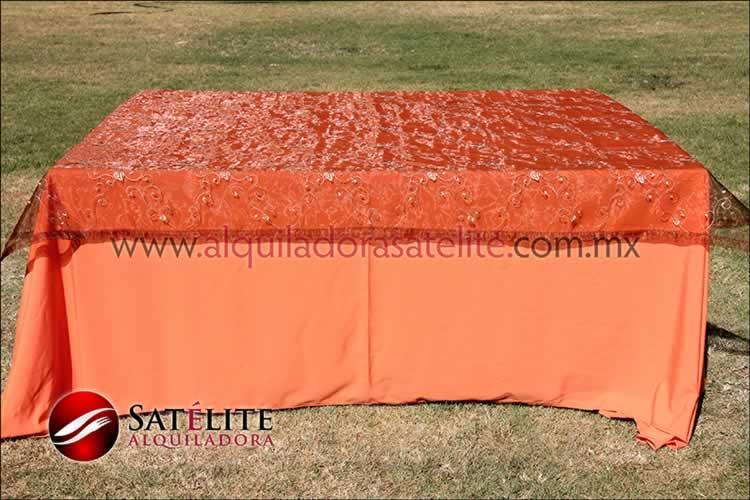 Mantel cuadrado naranja organza shedrón 1