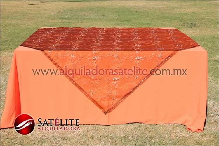 Mantel cuadrado naranja organza shedrón 2
