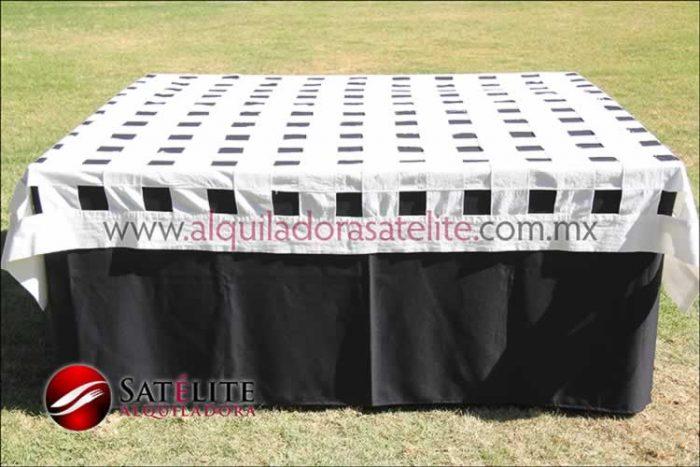 Mantel cuadrado negro entrelazado manta