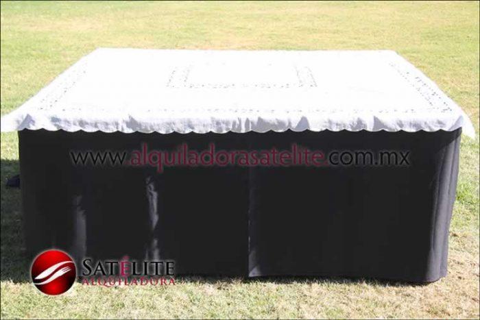 Mantel cuadrado negro organza marfil 1