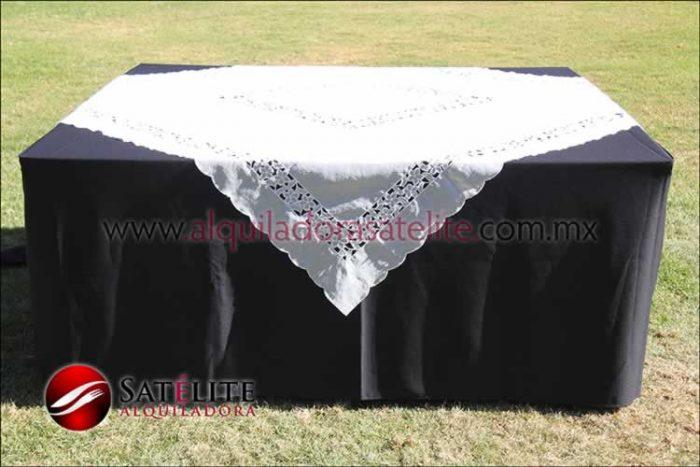 Mantel cuadrado negro organza marfil 2