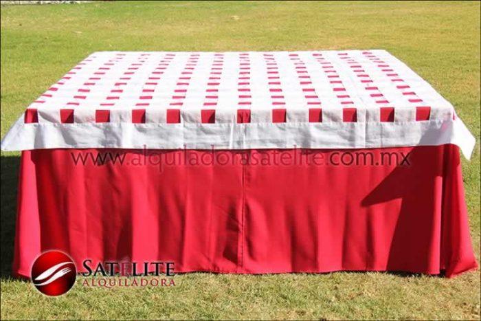 Mantel cuadrado rojo entrelazado blanco