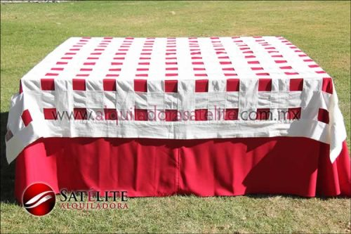 Mantel cuadrado rojo entrelazado manta
