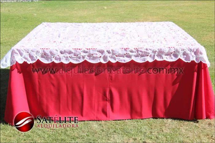 Mantel cuadrado rojo organza blanco