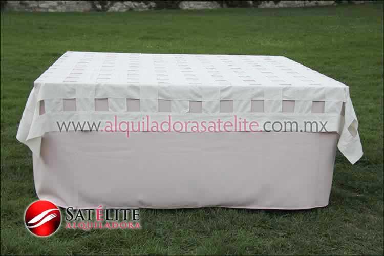 Mantel cuadrado rosa claro entrelazado manta