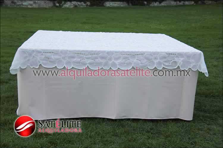 Mantel cuadrado rosa claro organza blanco