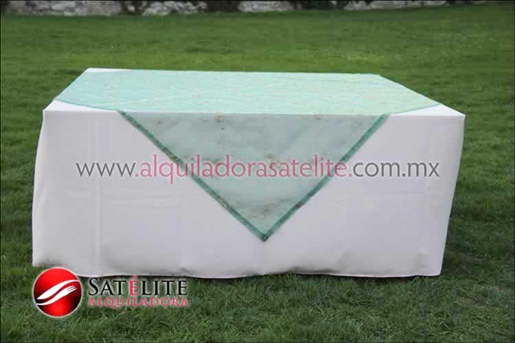 Mantel cuadrado rosa claro organza verde 2