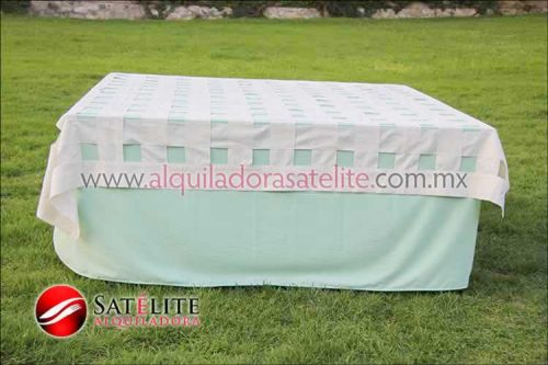 Mantel cuadrado verde agua entrelazado manta