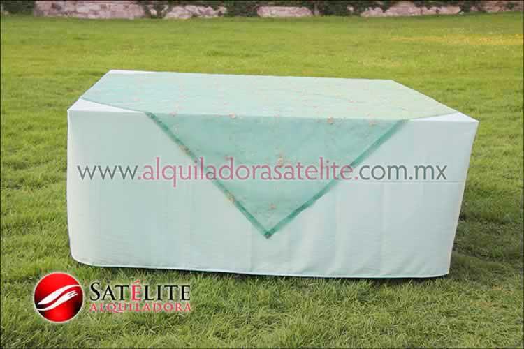 Mantel cuadrado verde agua organza verde 2