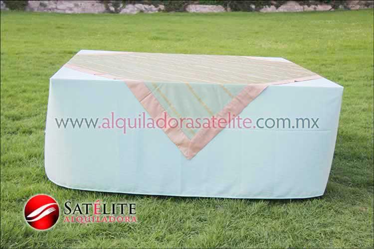 Mantel cuadrado verde agua organza verde oro 2
