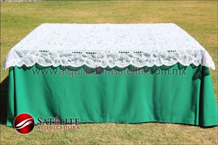 Mantel cuadrado verde bandera organza blanco