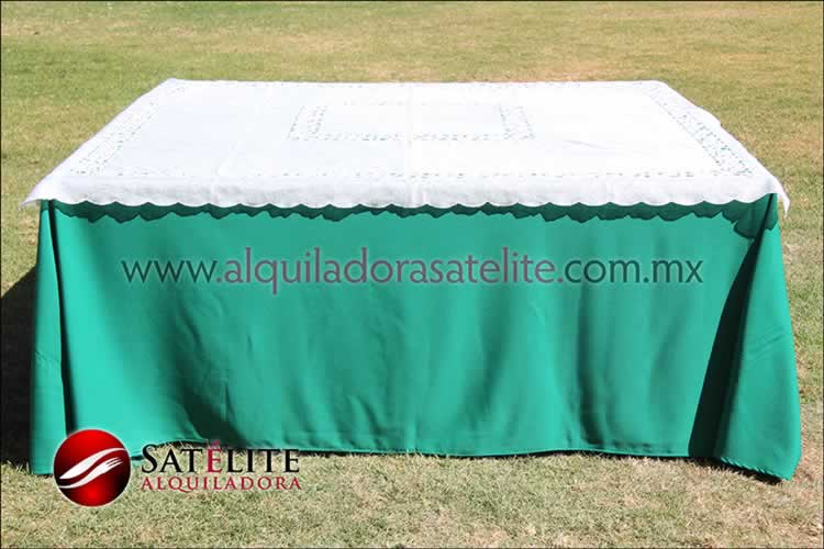 Mantel cuadrado verde bandera organza marfil 1