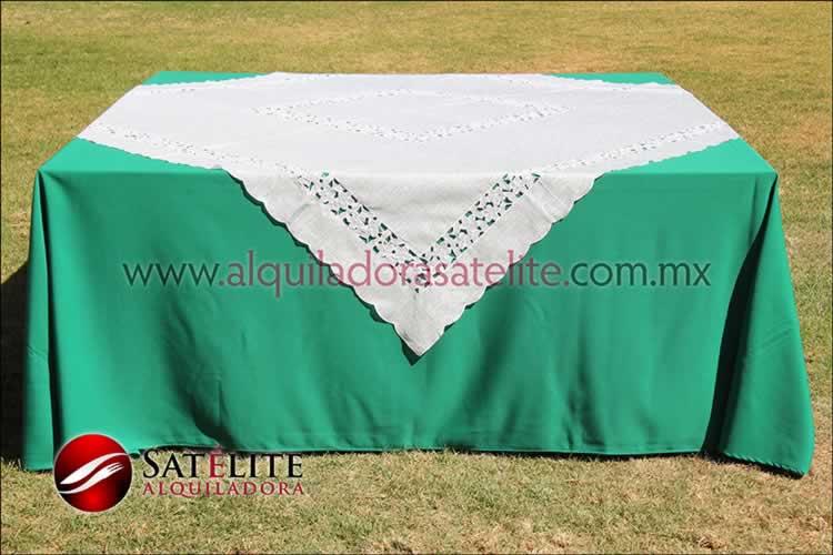 Mantel cuadrado verde bandera organza marfil 2