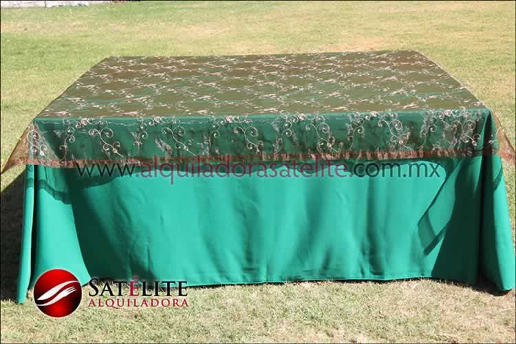 Mantel cuadrado verde bandera organza shedrón 1