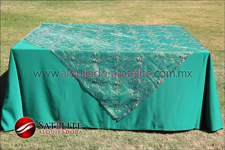 Mantel cuadrado verde bandera organza verde 2