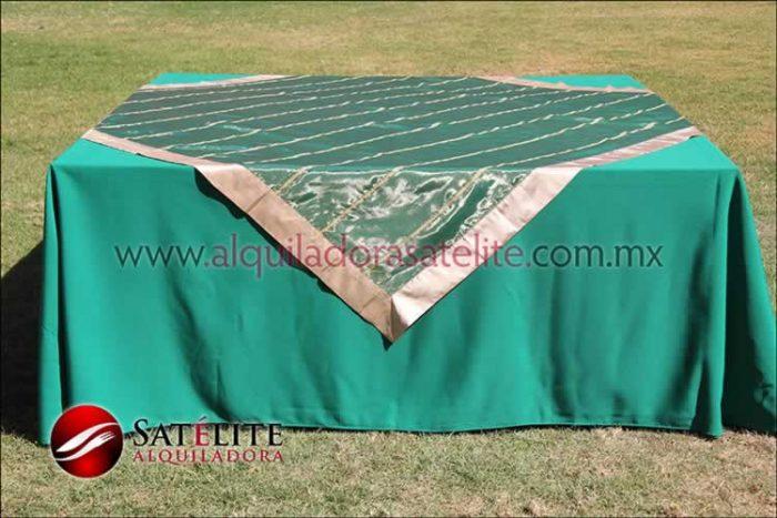 Mantel cuadrado verde bandera organza verde oro 2