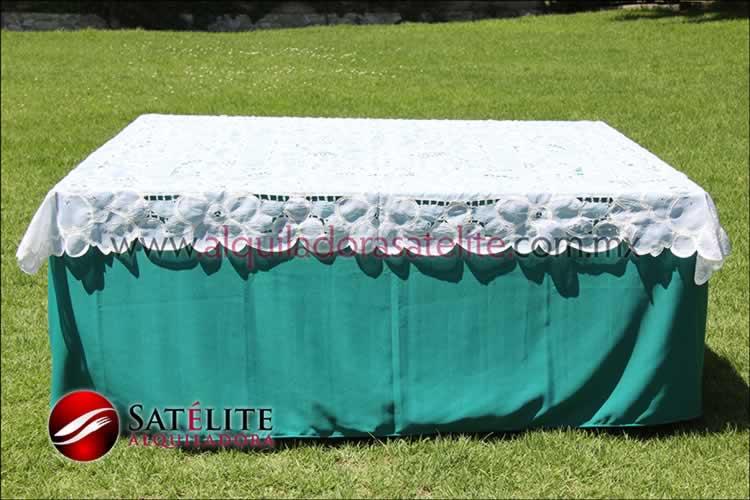 Mantel cuadrado verde jade organza blanco