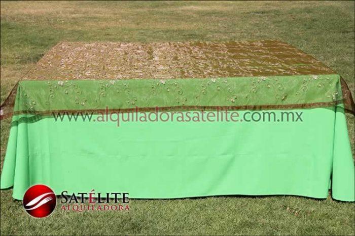 Mantel cuadrado verde limón organza shedrón 1