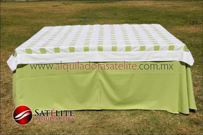 Mantel cuadrado verde manzana entrelazado blanco