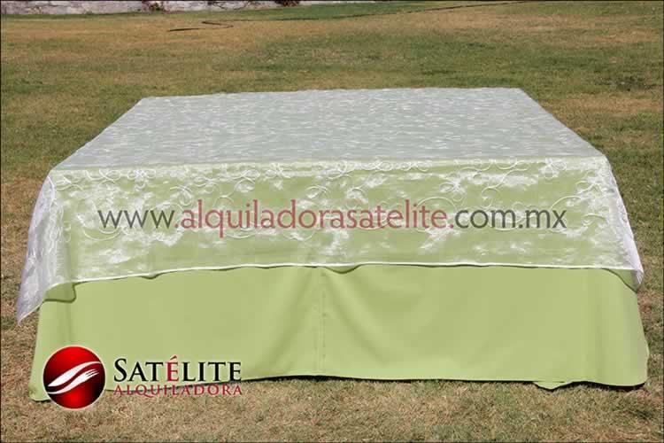 Mantel cuadrado verde manzana organza alistonado