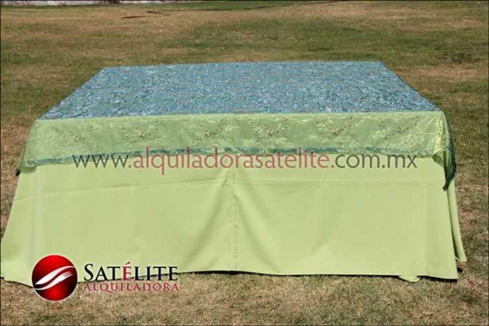 Mantel cuadrado verde manzana organza verde 1